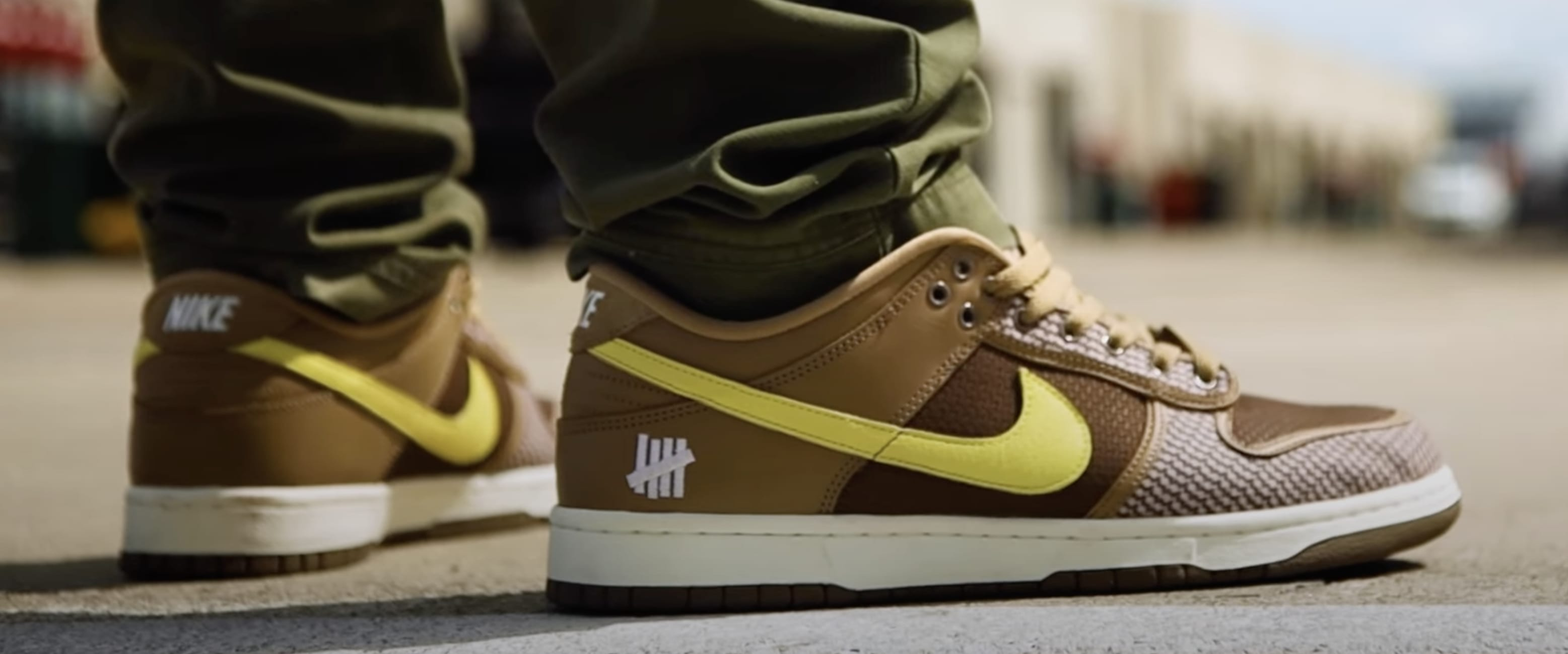 Undefeated x Nike Dunk Low Lateral