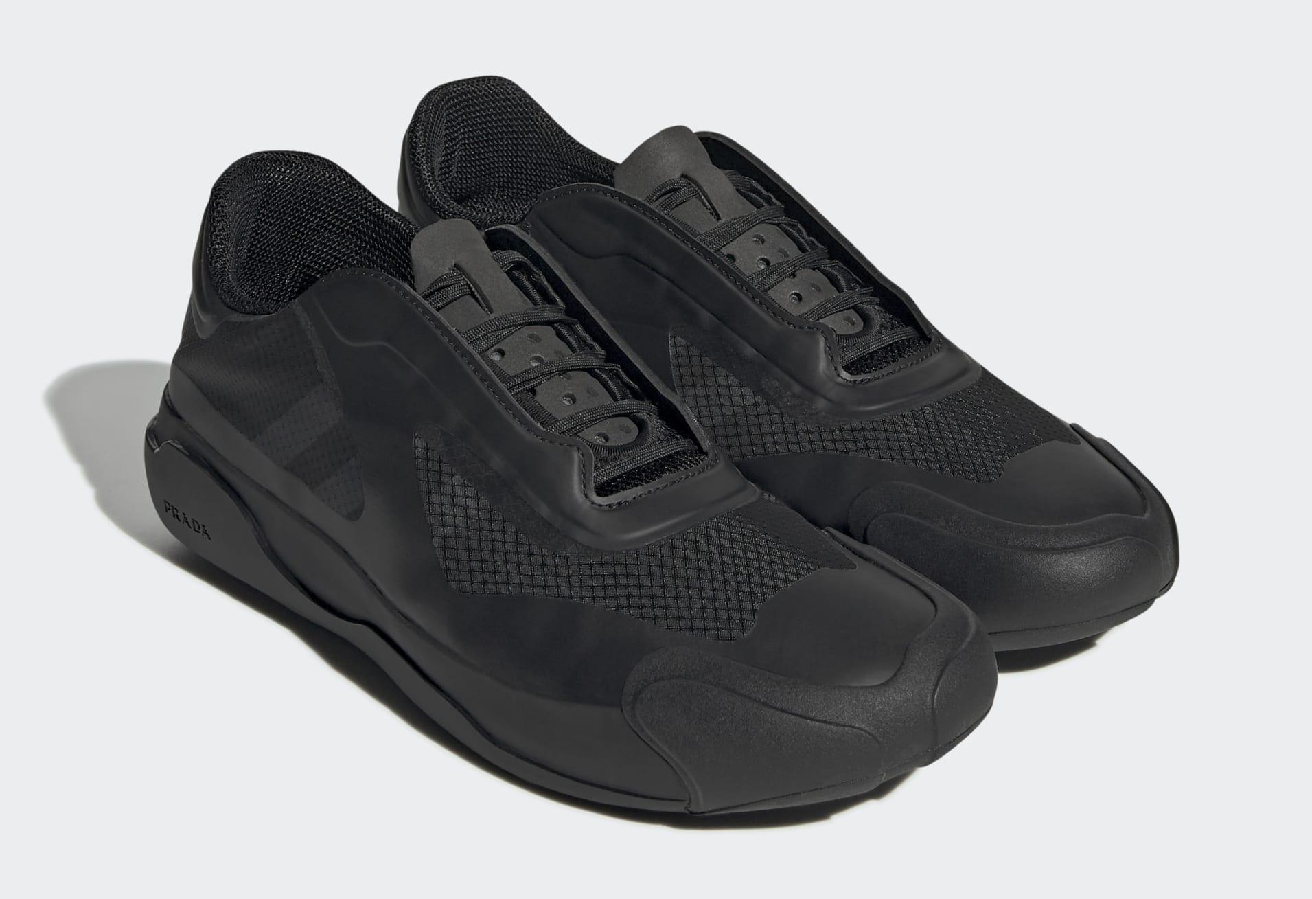 Paire Prada x Adidas Luna Rossa 21 'Core Black' G57868