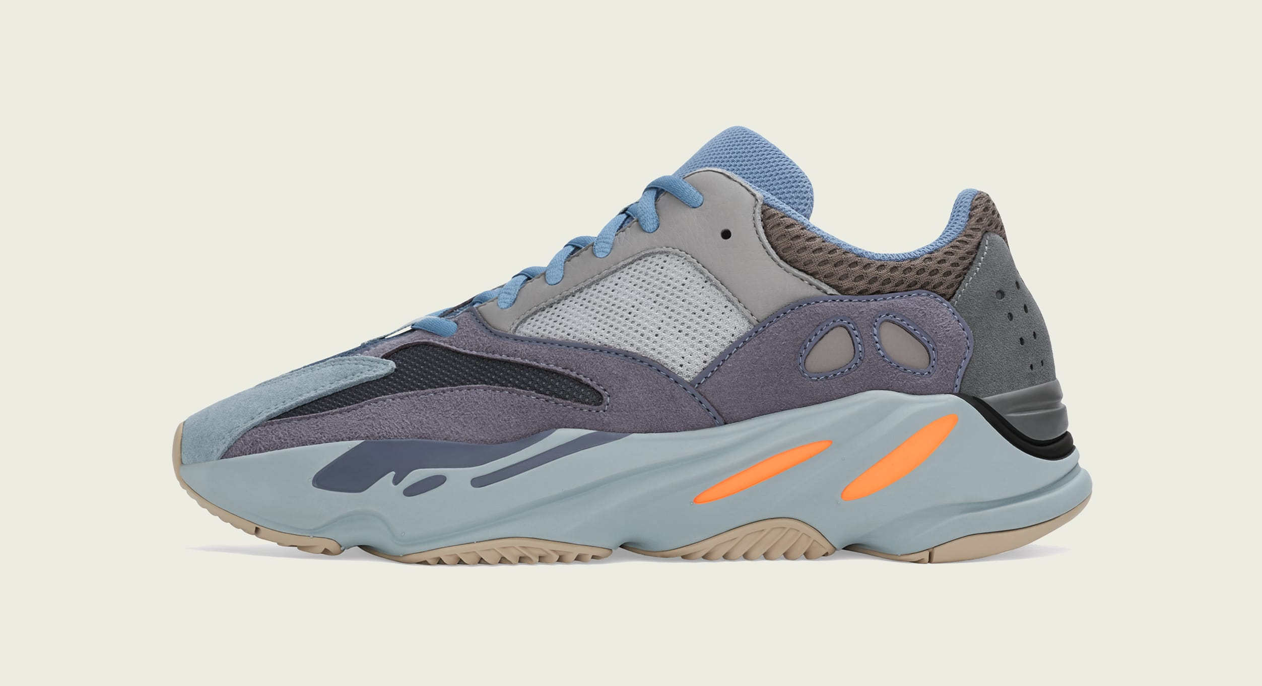 adidas-yeezy-boost-700-carbon-blue-lateral