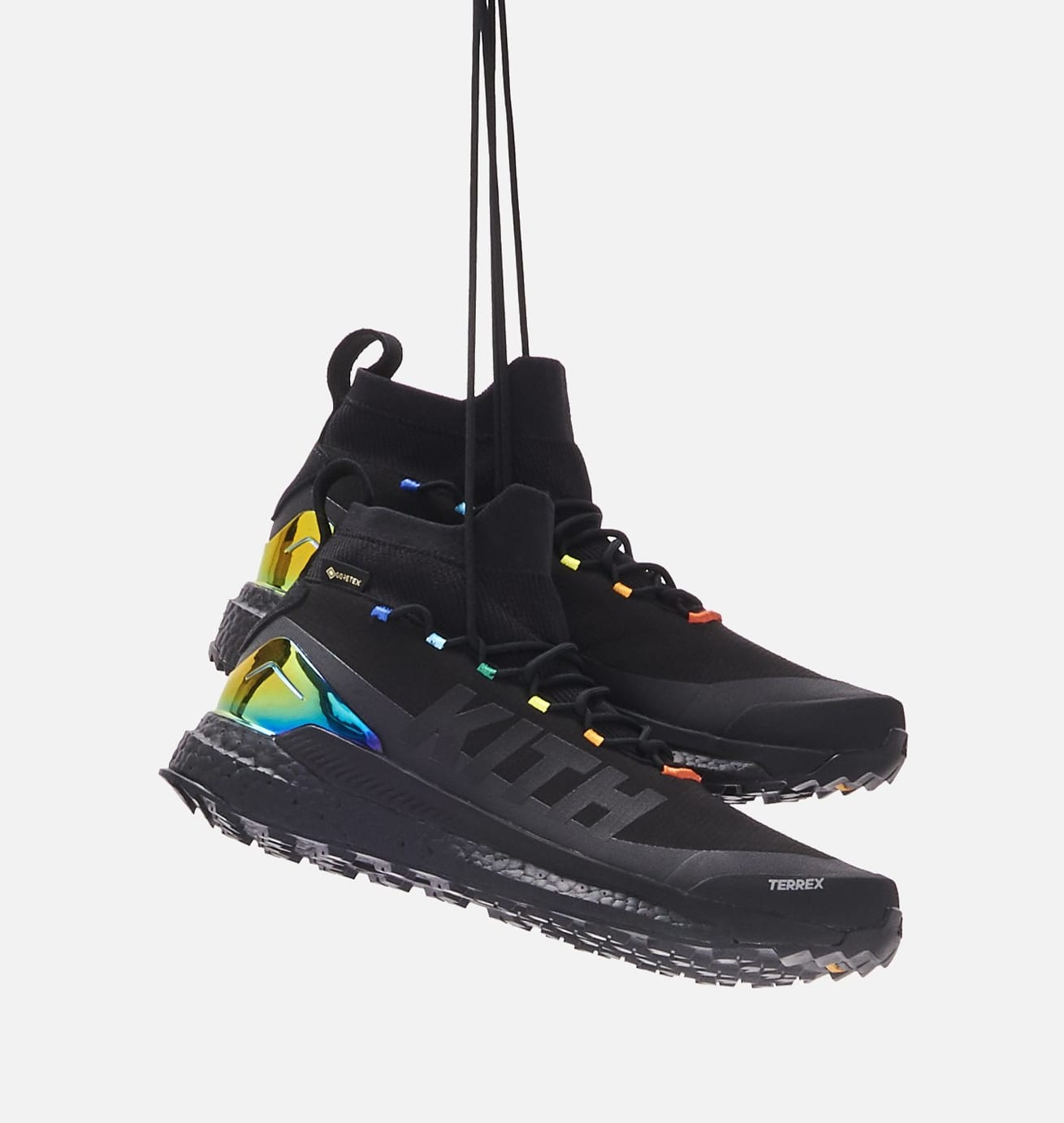 kith-adidas-terrex-free-hiker-black-side