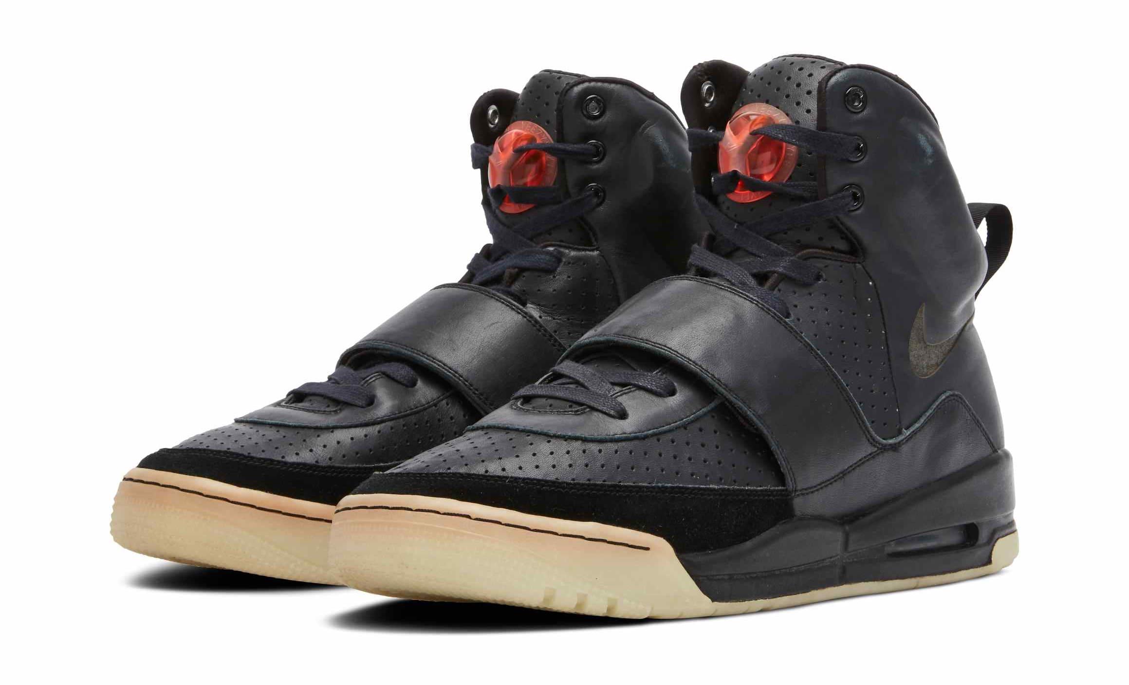 Nike Air Yeezy 1 Grammy's Sample Pair