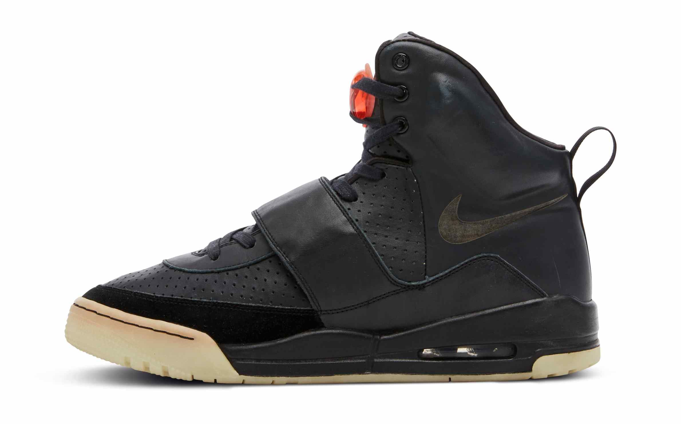 Nike Air Yeezy 1 Grammy's Sample Lateral