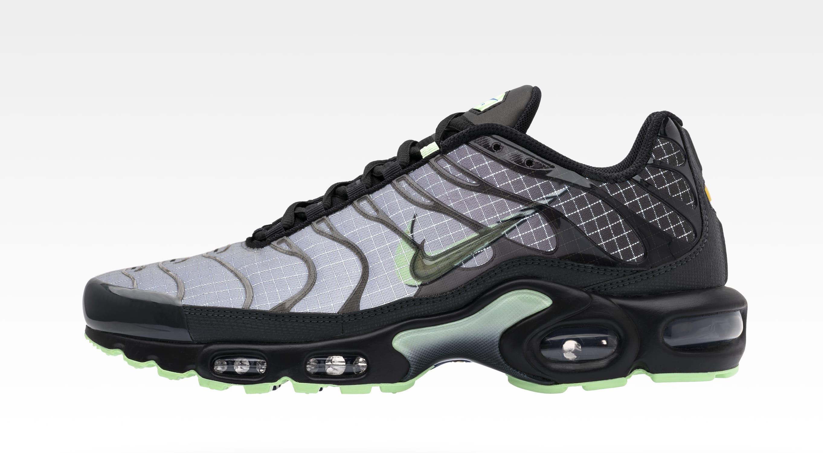 Hazlo pesado Coro pelota  Foot Locker x Nike 'Future Swoosh' Collection Release Date | Sole Collector