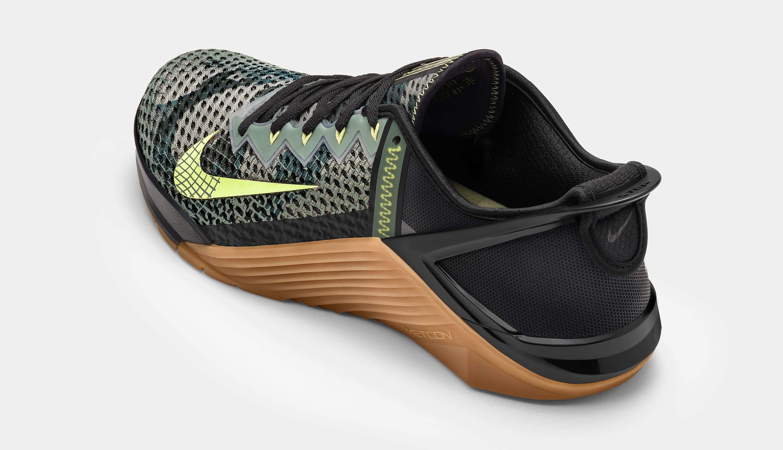 Nike MetCon 6 FlyEase Heel
