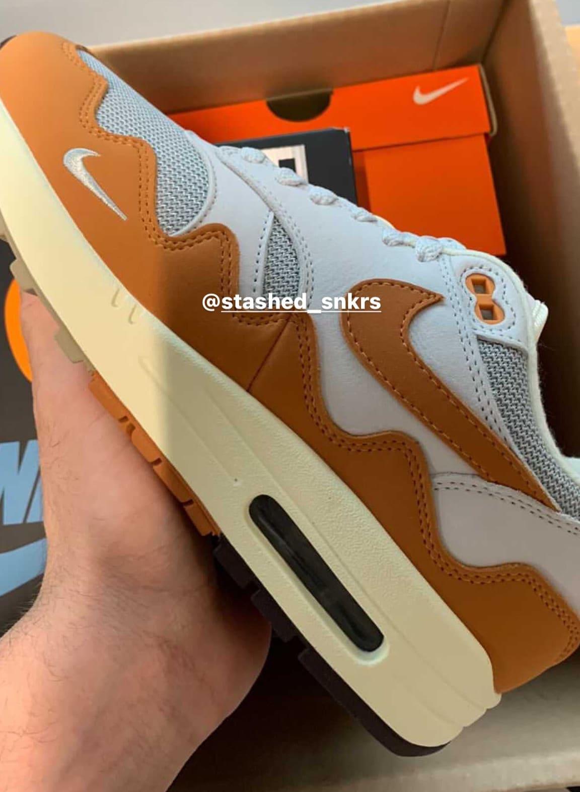 Patta x Nike Air Max 1 'Metallic Silver/Monarch/Platinum' (Lateral)