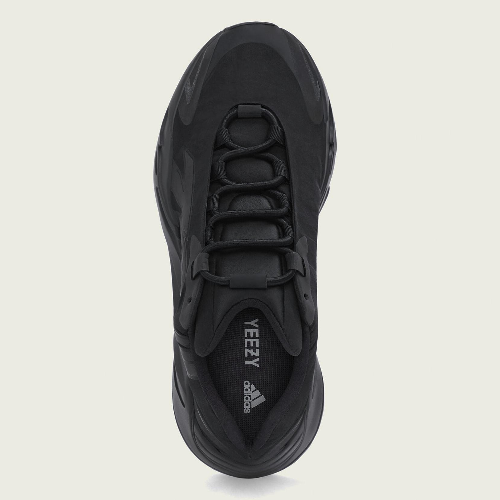 adidas-700-mnvn-triple-black-fv4440-top