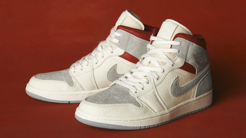 sneakersnstuff-air-jordan-1-mid-past-lateral