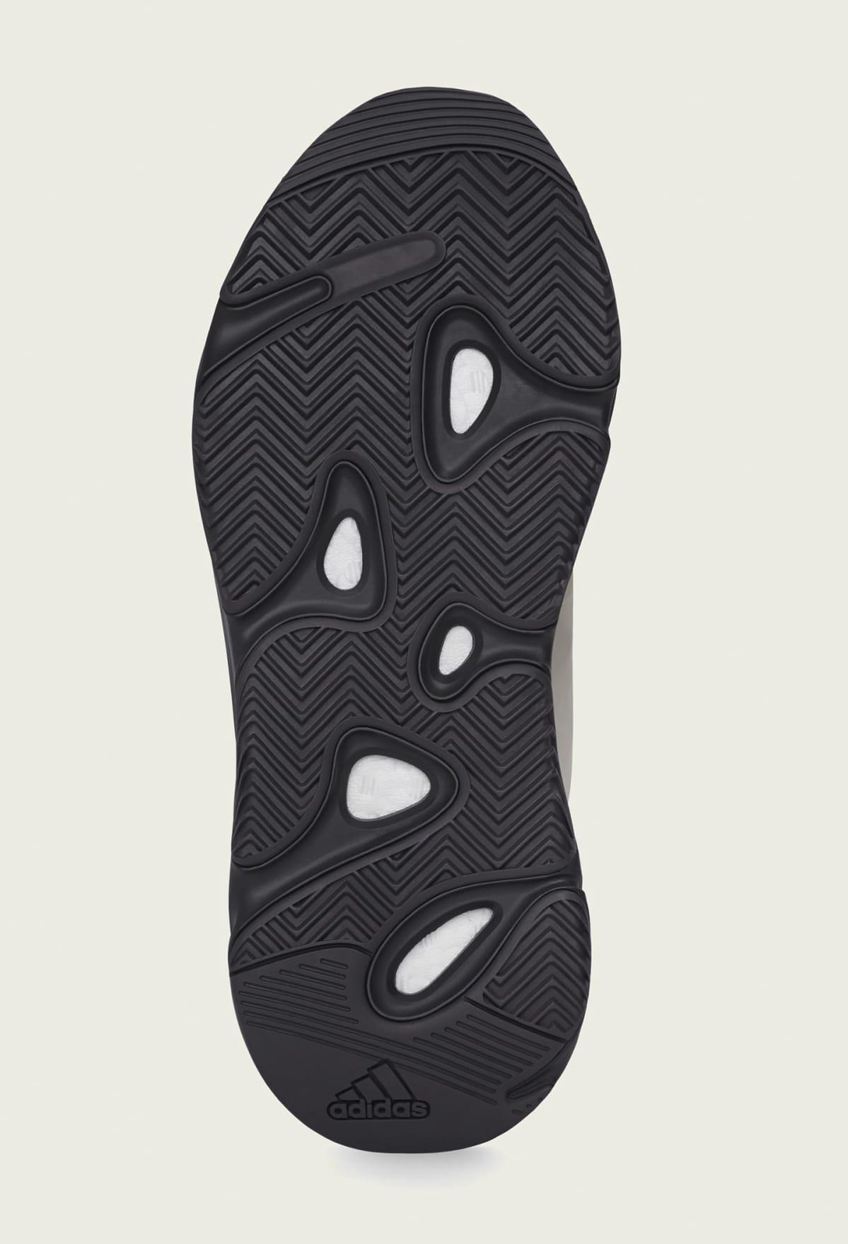 Adidas Yeezy Boost 700 MNVN 'Bone' FY3729 Semelle extérieure