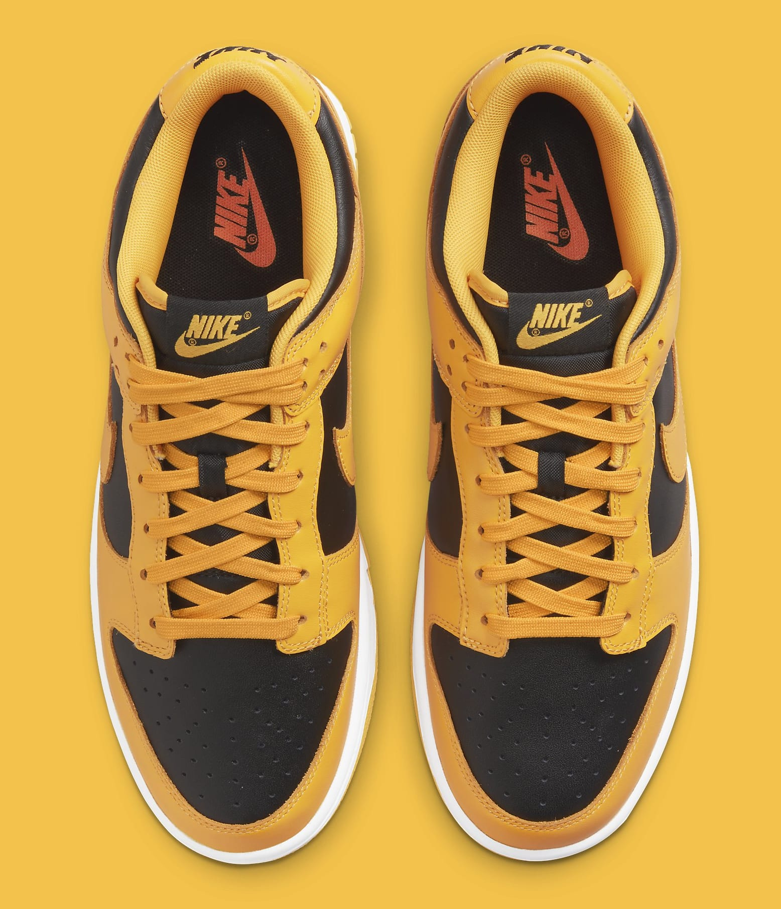 Nike Dunk Low 'Iowa' DD1391-004 (Top)