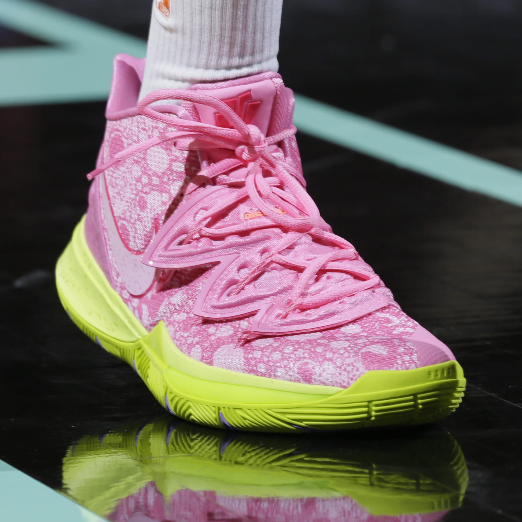 Nike Kyrie 5 Patrick Star Release Date Front