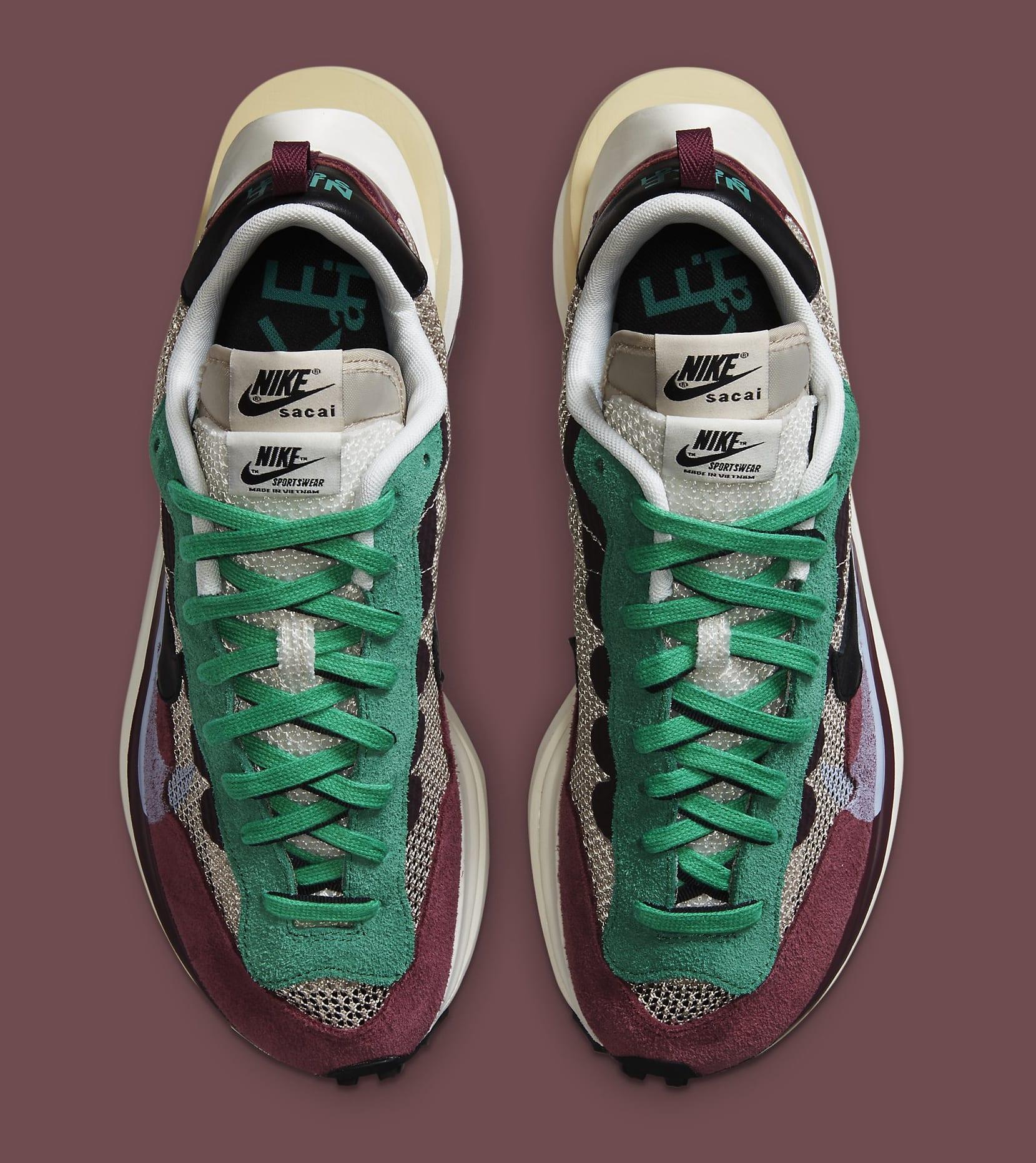 Sacai x Nike VaporWaffle 'Villain Red' DD3035-200 Top