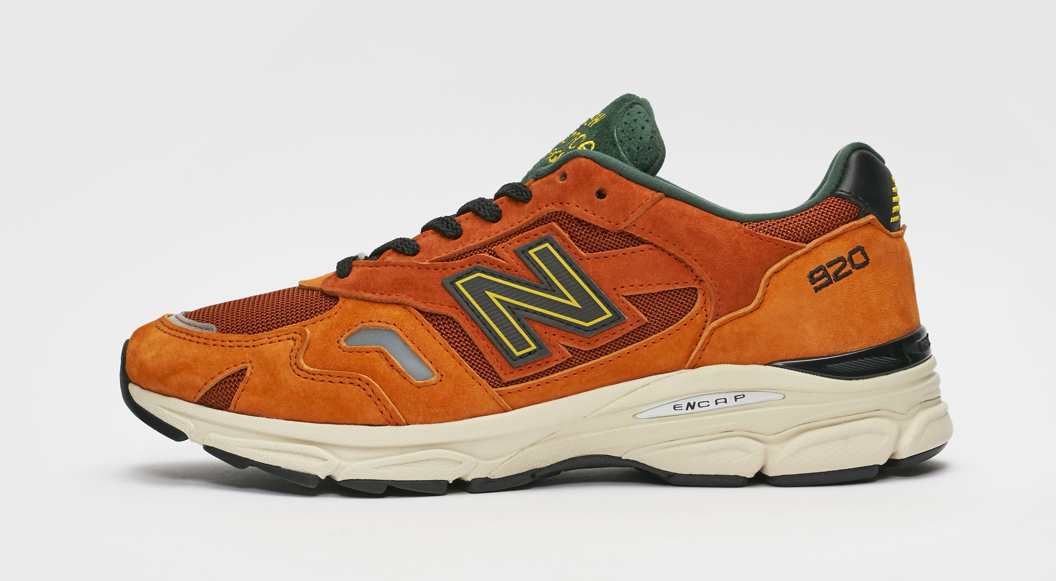 Sneakersnstuff x New Balance 920 'SNS Sports World' Lateral