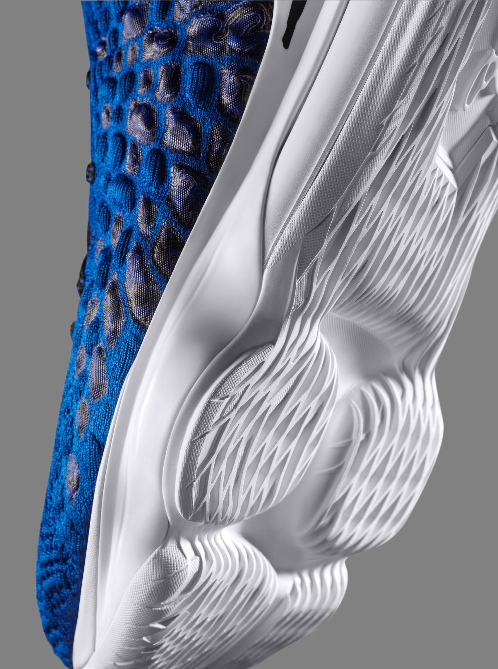 uninterrupted-nike-lebron-17-more-than-an-athlete-outsole