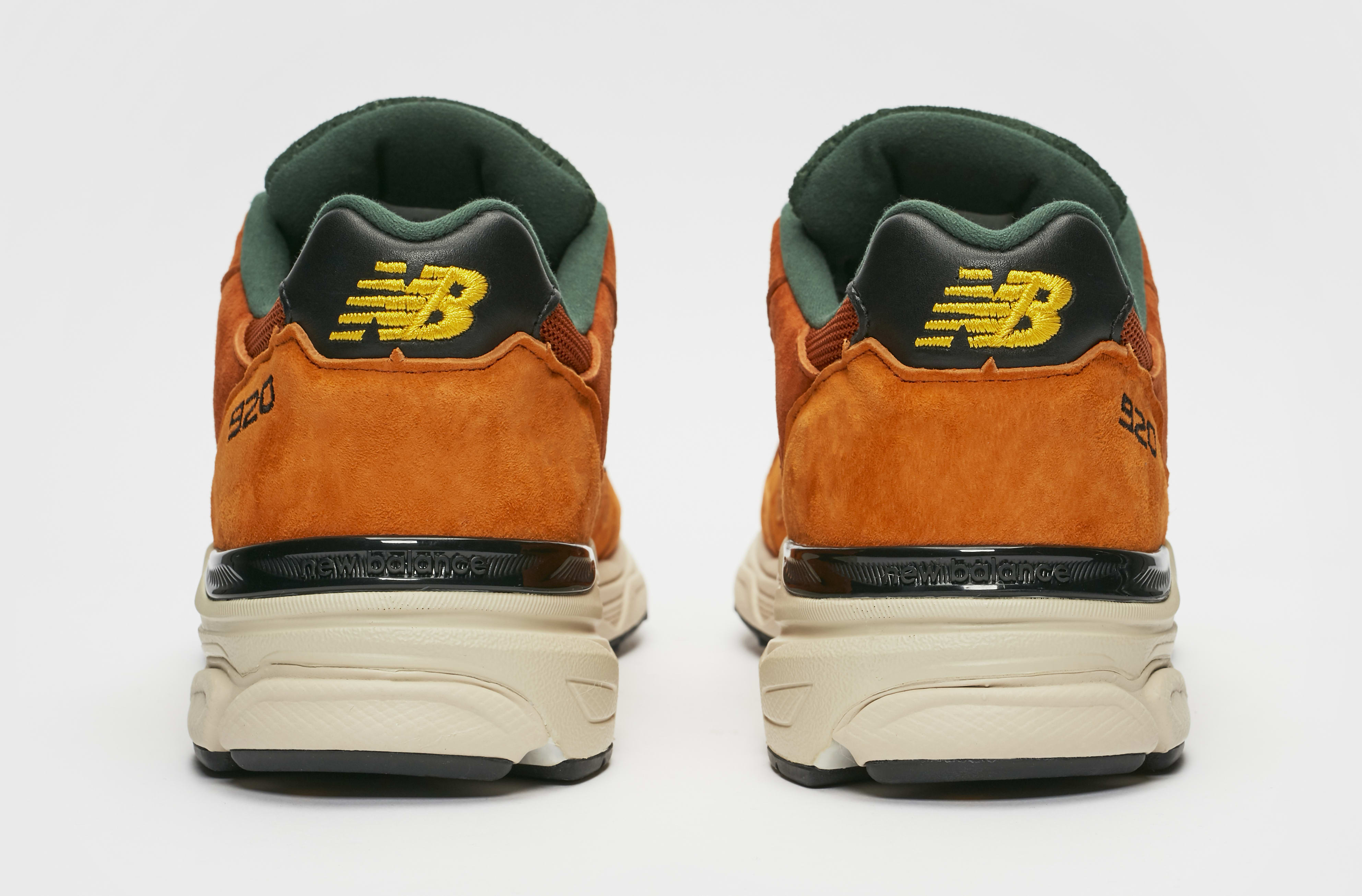 Sneakersnstuff x New Balance 920 'SNS Sports World' Heel