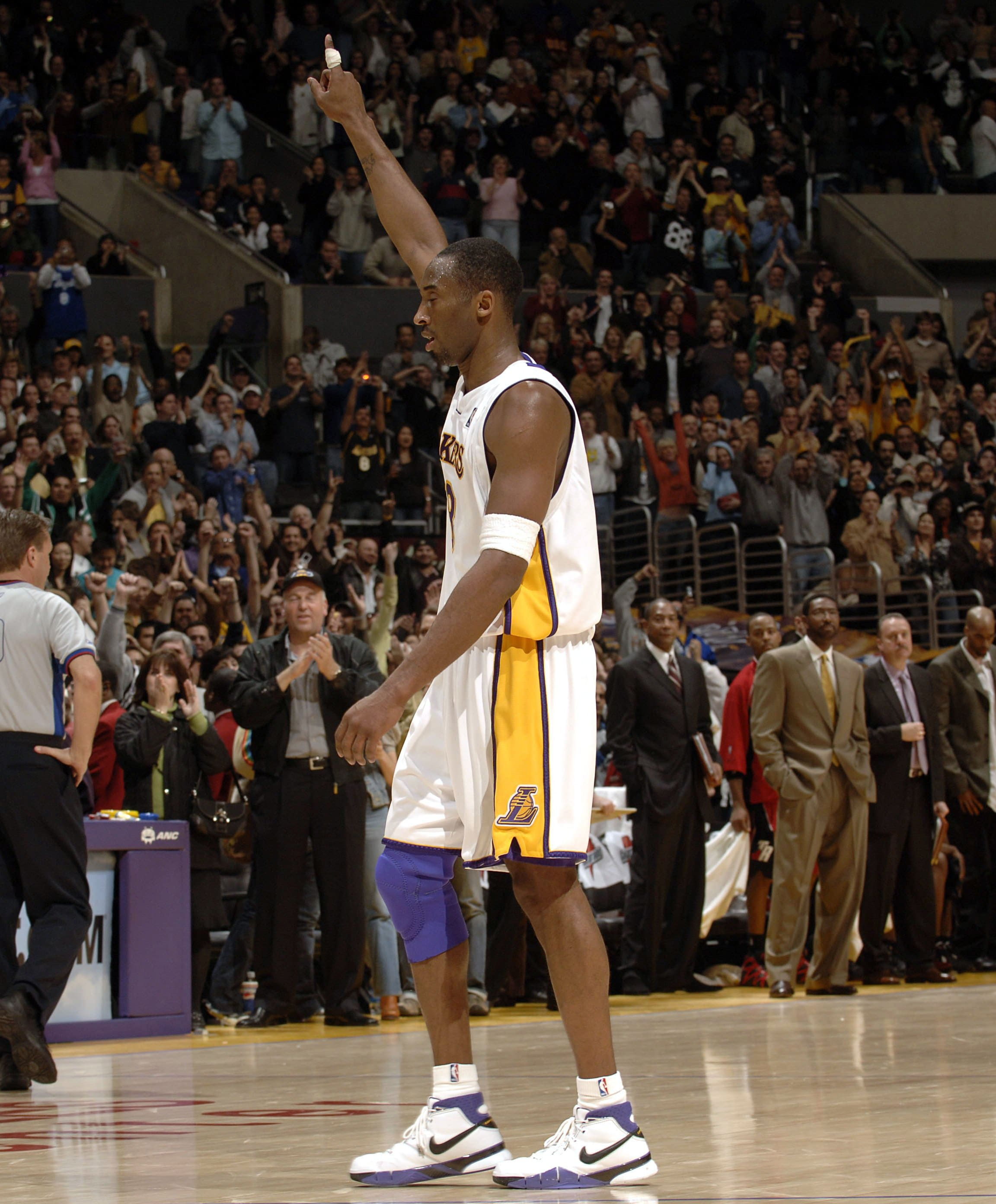 Kobe Bryant vs. Toronto Raptors January 22, 2006