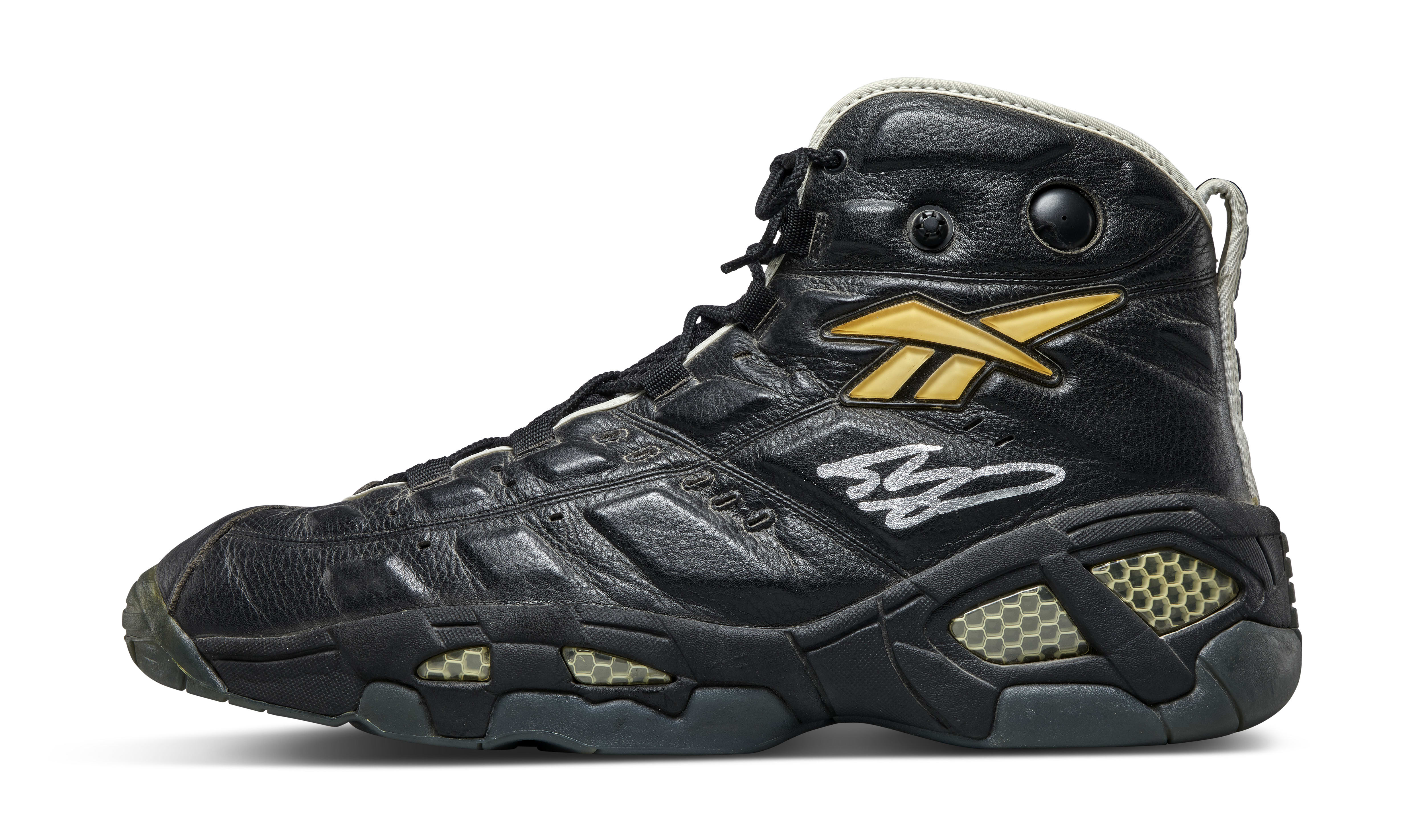 Shaquille O'Neal Game-Worn and Signed Reebok Pump PE