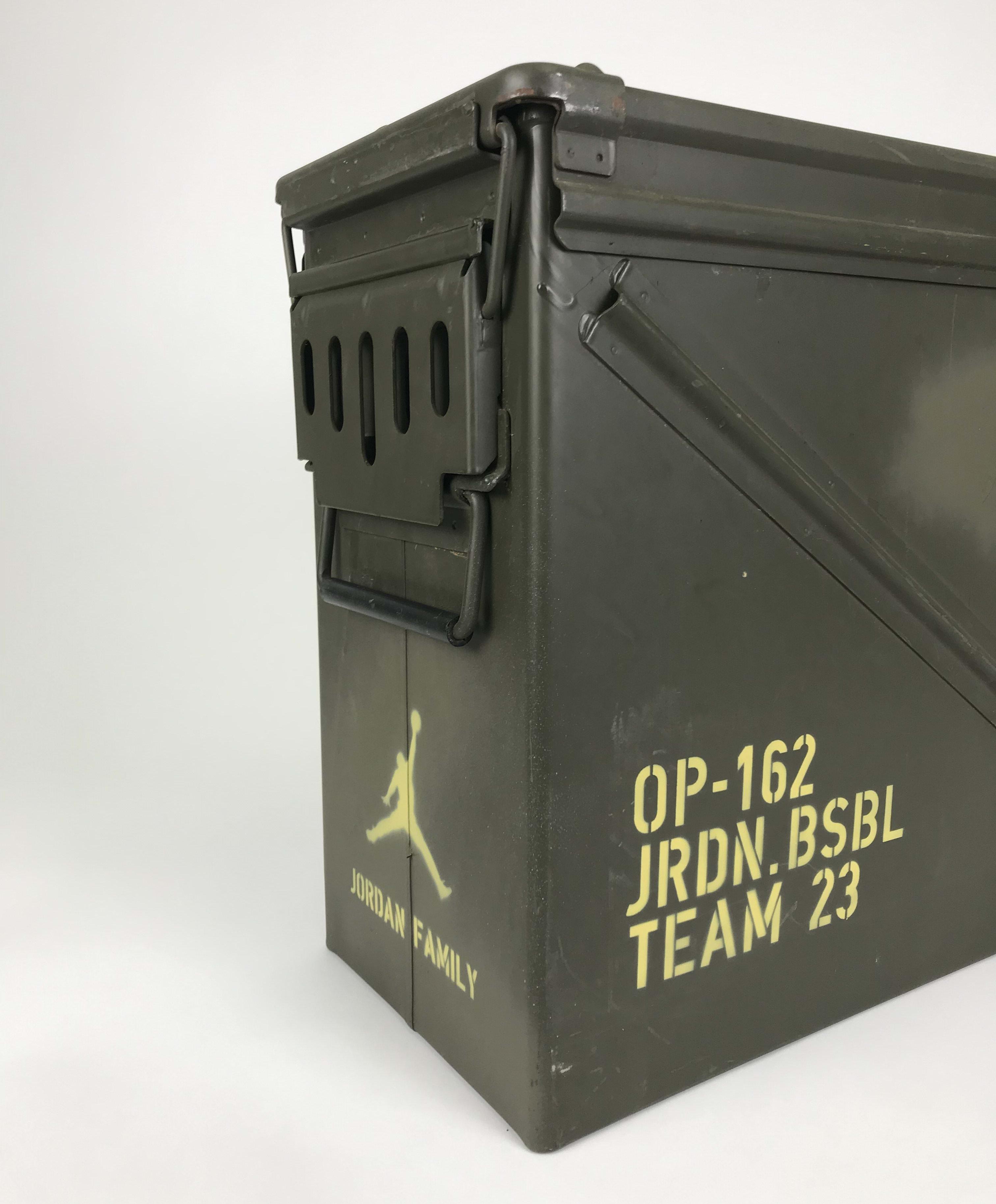 Air Jordan 6 Canvas MLB Pack Case Detail