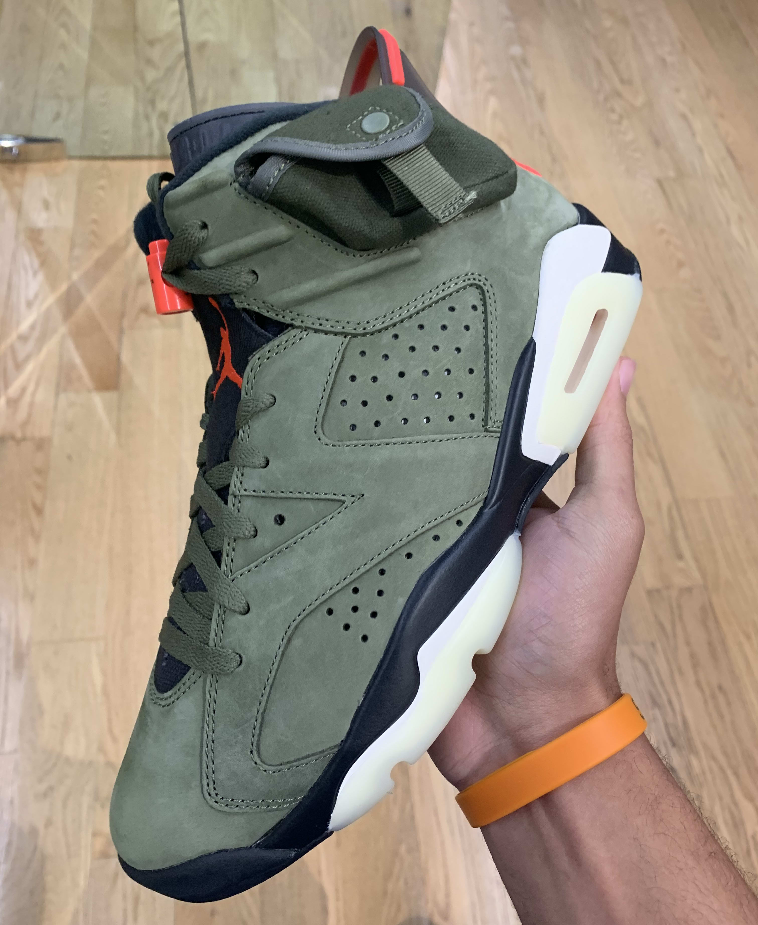 Travis Scott x Air Jordan 6 'Medium Olive/Black/Sail/University Red' CN1084-200 (Lateral)