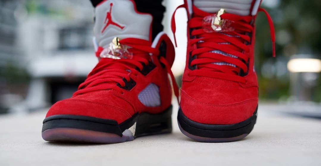 Trophy Room x Air Jordan 5 'University Red' 2