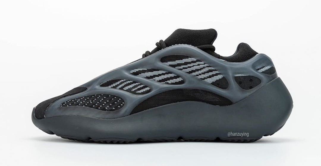adidas-yeezy-700-v3-black-h67799-profile