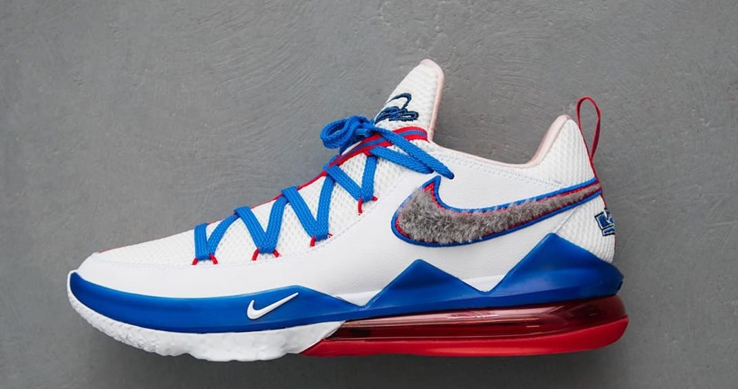 Nike LeBron 17 Low 'Toon Squad' CD5007-100 (Lateral)