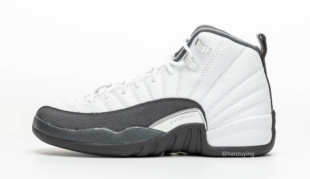air-jordan-12-xii-retro-dark-grey-130690-160-lateral