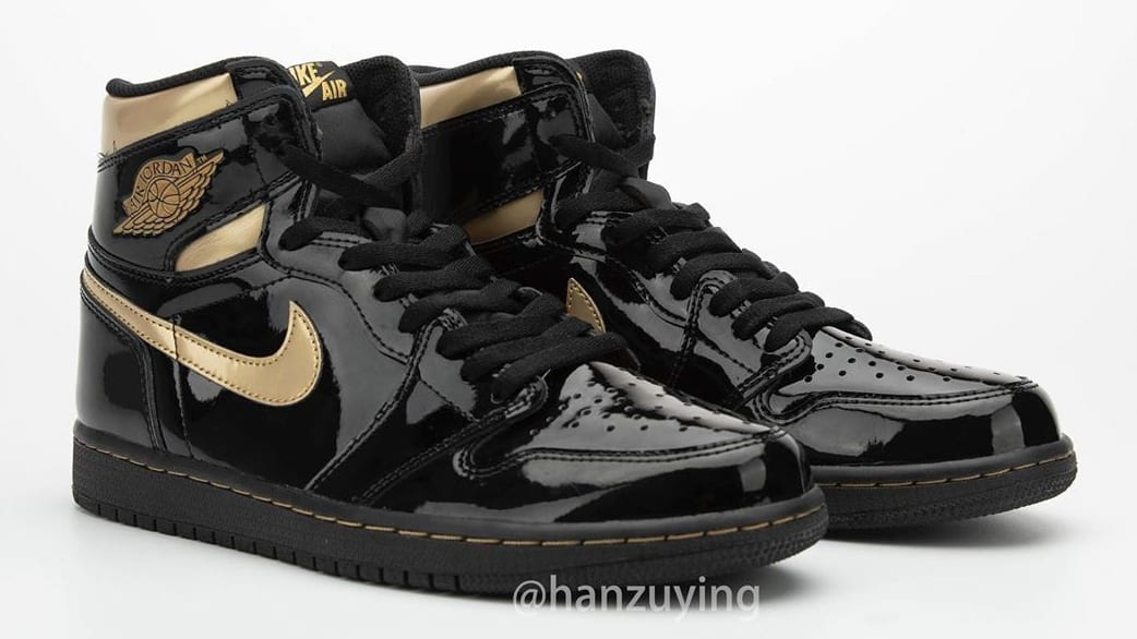 Air Jordan 1 High Black Gold Patent Release Date 555088-032 Pair Right