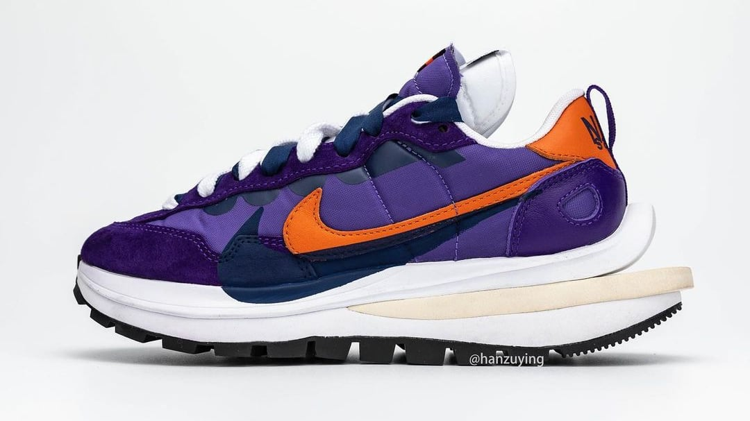 Sacai x Nike Vaporwaffle 'Dark Iris/Campfire Orange-White' Lateral