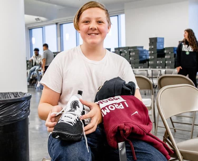 LeBron James I Promise School Sneakers (6)