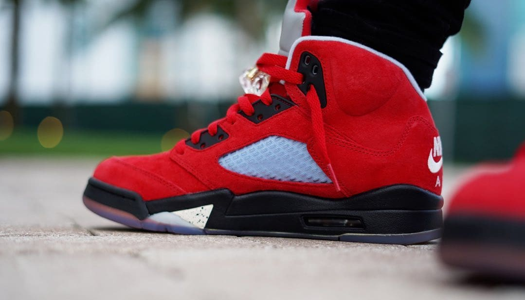 Trophy Room x Air Jordan 5 'University Red' 4