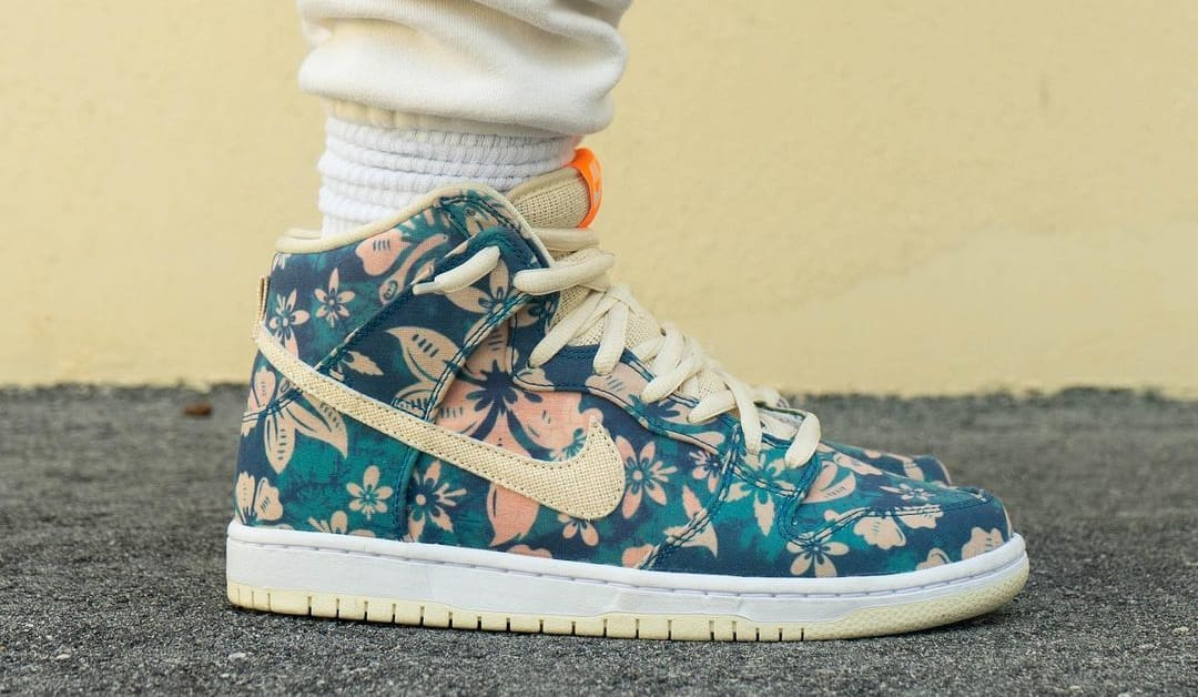 Nike SB Dunk High 'Hawaii' Sail/Blue/Green Aqua CZ2232-300 (Lateral On-Foot)