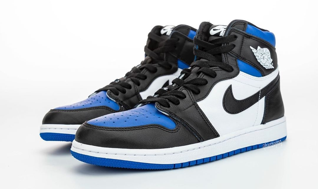 air-jordan-1-retro-high-og-game-royal-555088-041-front
