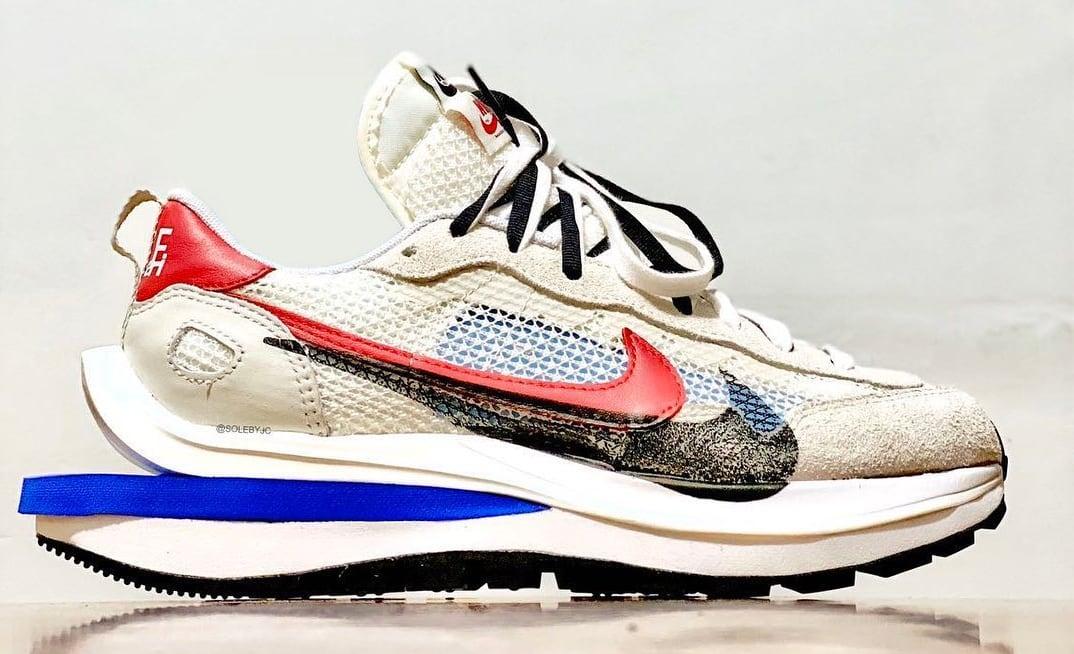 Sacai x Nike Vaporwaffle Sail/Light Bone/Game Royal/Sport Fuchsia Lateral