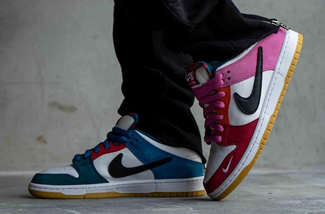 Parra x Nike SB Dunk Low DH7695-100 Side