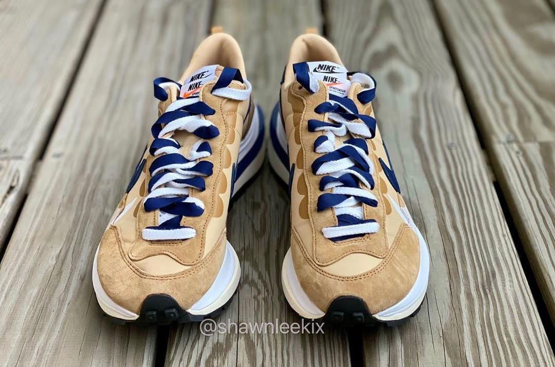 Sacai x Nike Vaporwaffle 'Sesame/Blue Void-White' Front