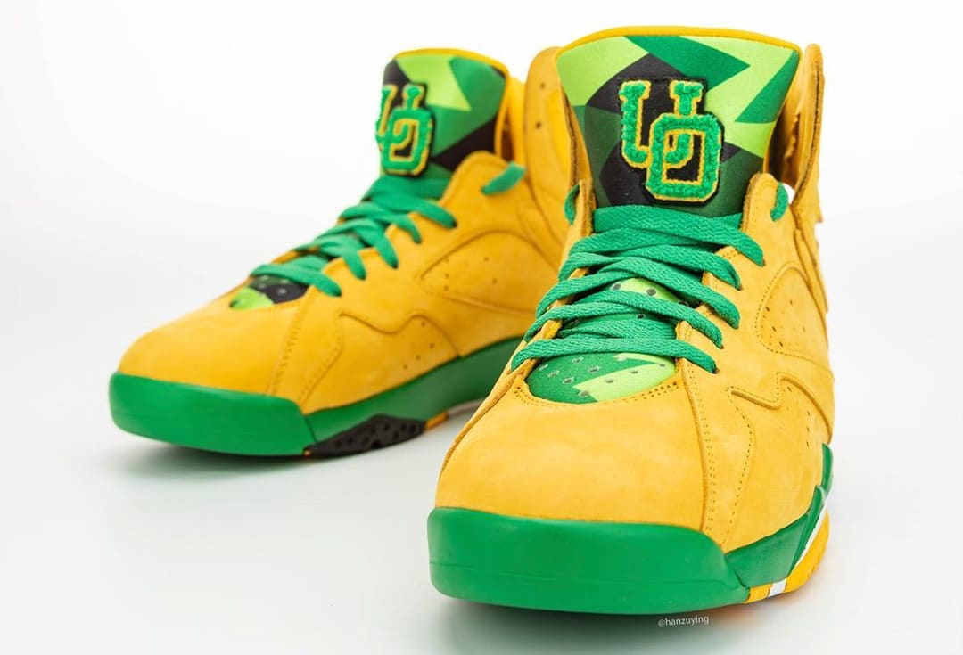 air-jordan-7-oregon-ducks-pe-front