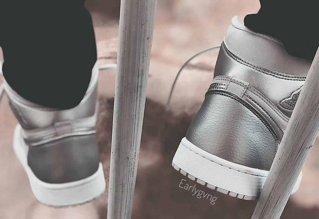 Air Jordan 1 Retro High OG 'Metallic Silver' 555088-029 Heel