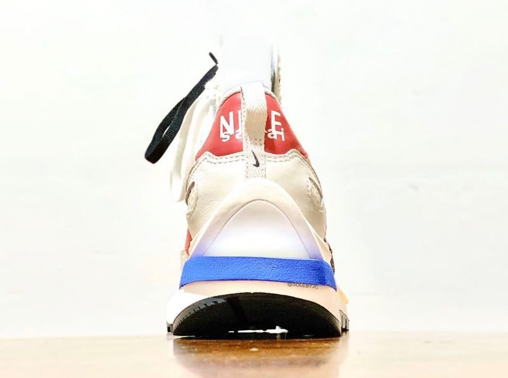 Sacai x Nike Vaporwaffle Sail/Light Bone/Game Royal/Sport Fuchsia Heel