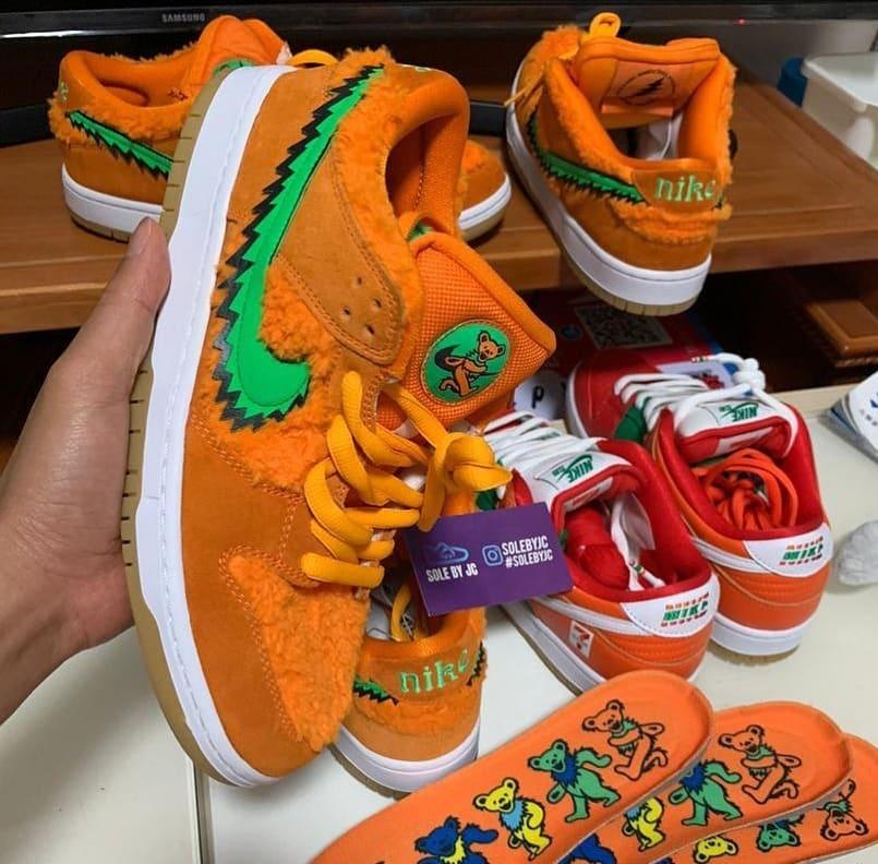 Grateful Dead x Nike SB Dunk Low Orange/Green Side