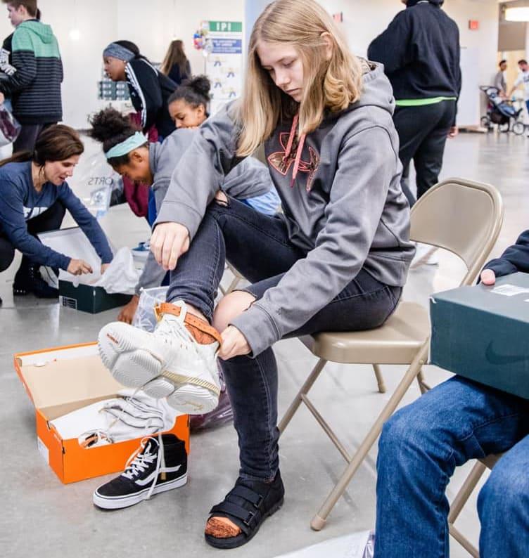 LeBron James I Promise School Sneakers (4)
