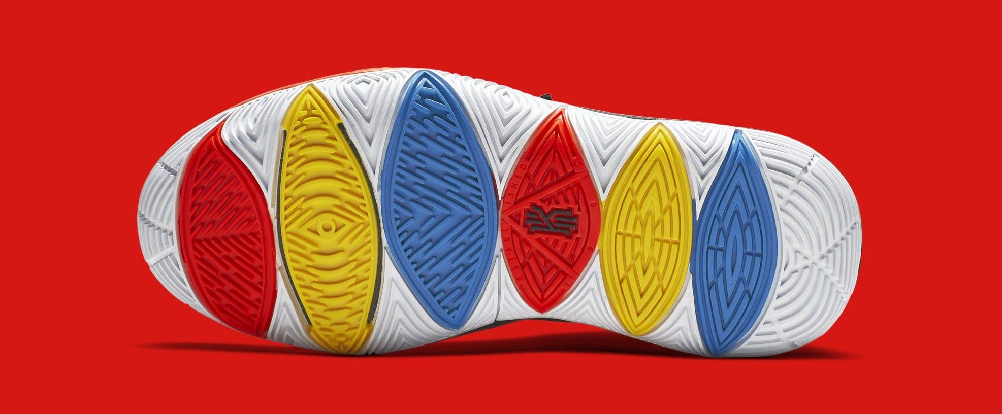 Nike Kyrie 5 'Friends' AQ2456-006 (Bottom)