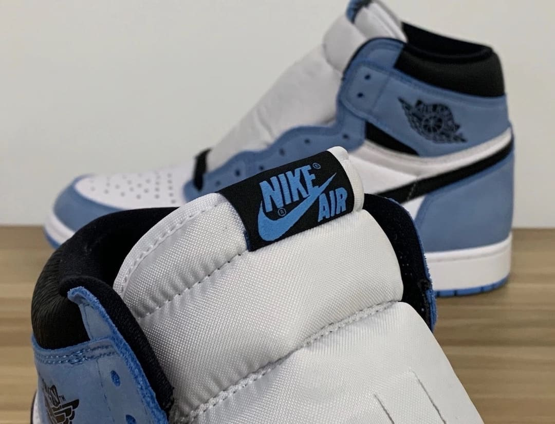 Air Jordan 1 Retro High OG 'UNC' 555088-134 Tongue