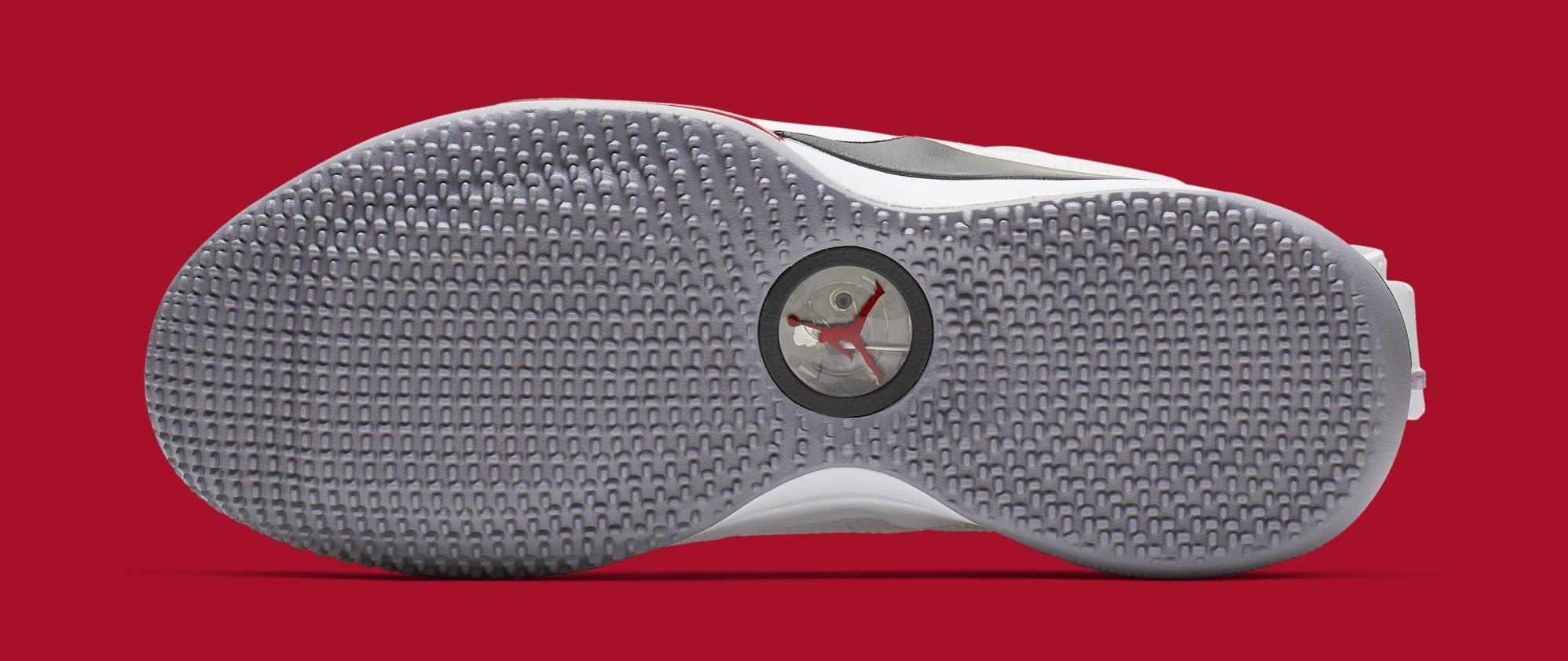new products 88962 13557 Image via Nike Air Jordan 33 Low SE CD9560-106 (Bottom)