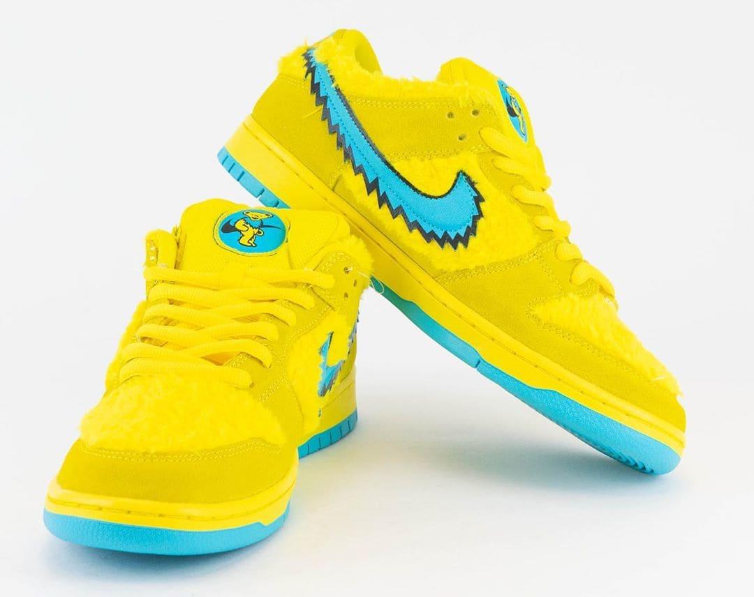 Nike SB Dunk Low Pro QS 'Grateful Dead' Opti Yellow/Blue Fury CJ5378-700 Front