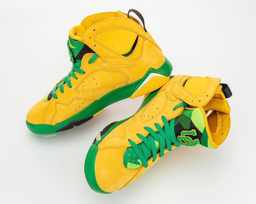 air-jordan-7-oregon-ducks-pe-medial