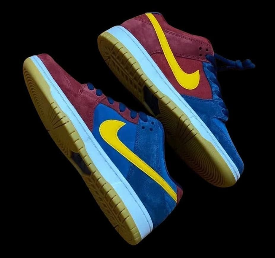 Nike SB Dunk Low 'Barcelona' Lateral