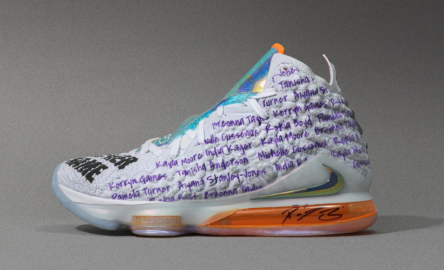 Diana Taurasi Nike LeBron 17 Custom Lateral