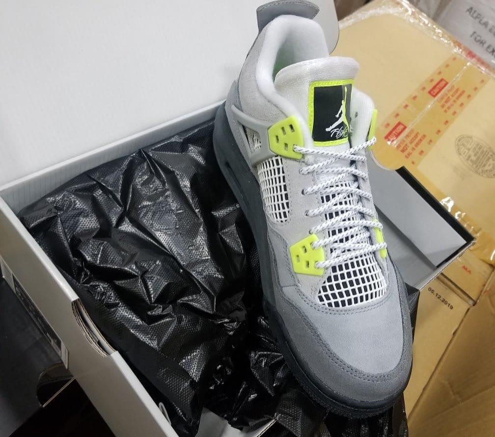 Air Jordan 4 Air Max 95 Neon Release Date CT5342-007 Front