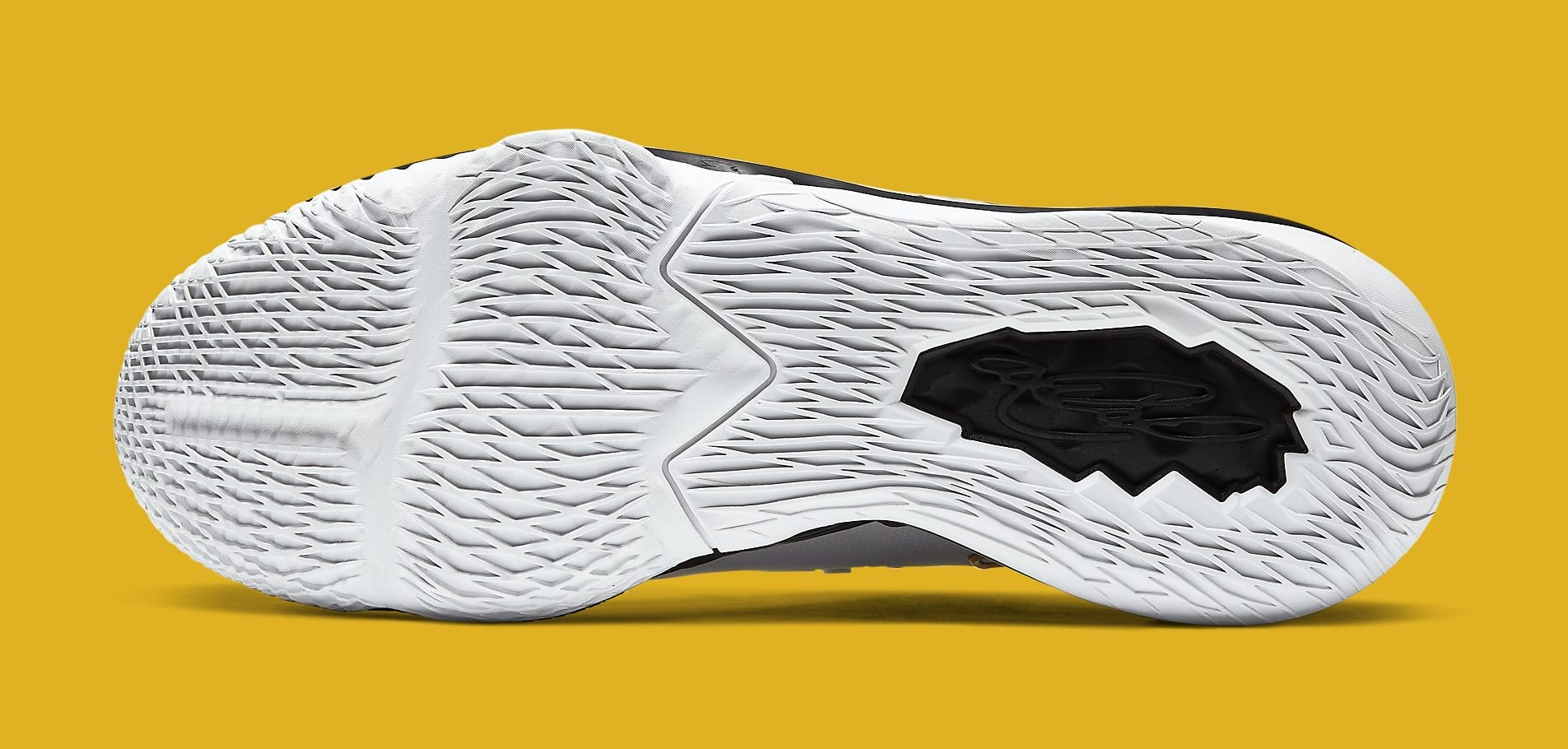 Nike LeBron 17 Low 'Metallic Gold' CD5007-101 Outsole
