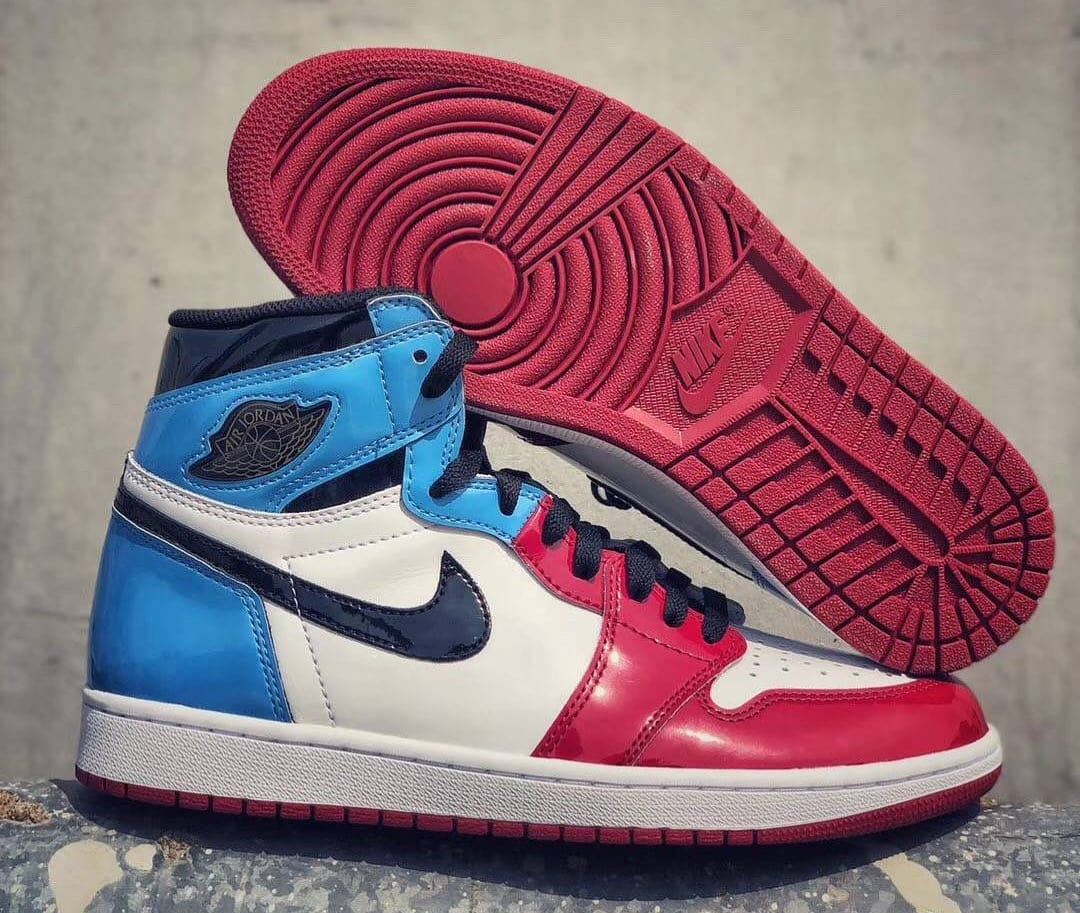 Air Jordan 1 Retro High OG 'UNC to Chicago' First Look